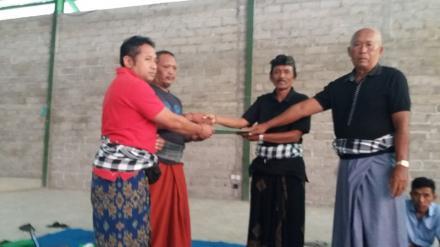 Penyerahan Sertifikat PTSL Kepada Masyarakat Desa Kekeran